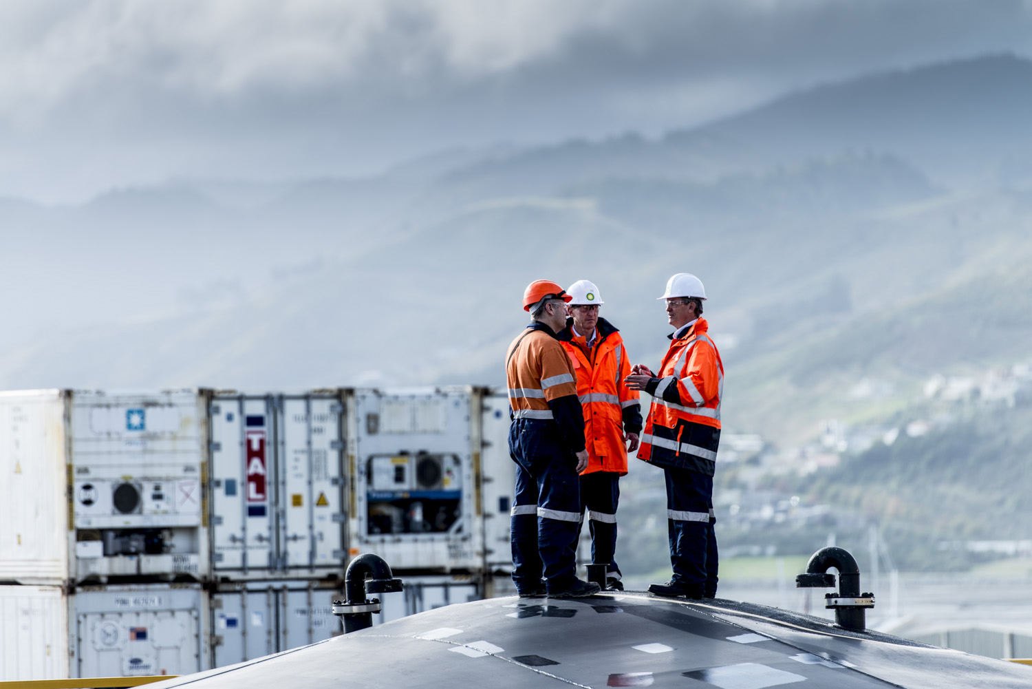 image of AARONTAIT COPYRIGHTED 2014 214c CUSTOMERS MEETING INSPECTION VIEW WEATHER ENVIRONMENT  RESEARCH EXPLORATION INDUSTRIAL PHOTOGRAPHER MANUFACTURING EPIC AUSTRALIA ASIA PACIFIC SUCCESS TECHNOLOGY SCIENCE