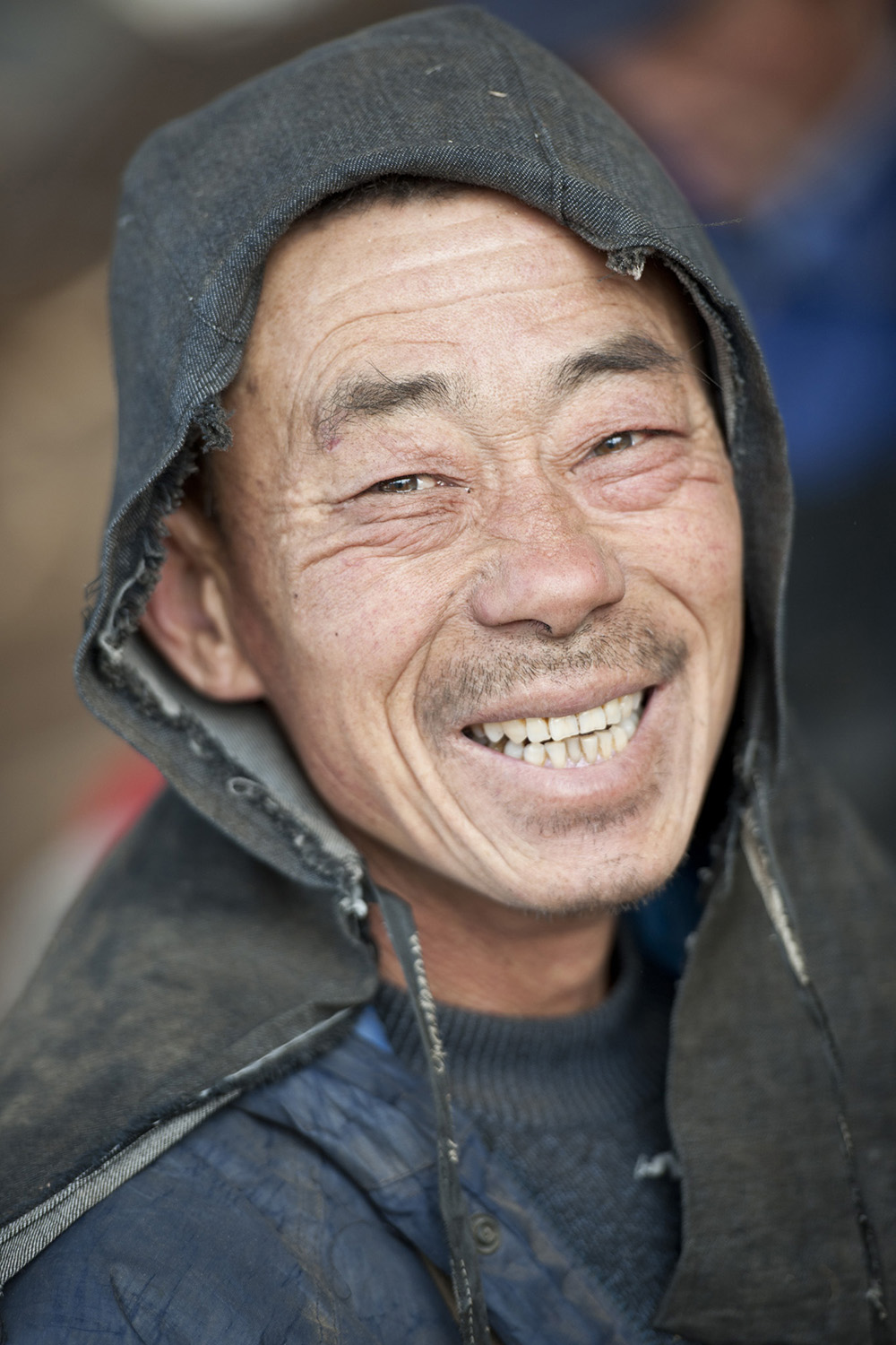 image of AARONTAIT COPYRIGHTED 2014 298 TRAVEL PHOTOGRAPHER ASIA REPORTAGE EDITORIAL STORY HUMANS LIFE EARTH TRAVELER EXPLORE CULTURE PEOPLE COUNTRY NATIONALITY DOCUMENTARY CHINA WORKER FARM