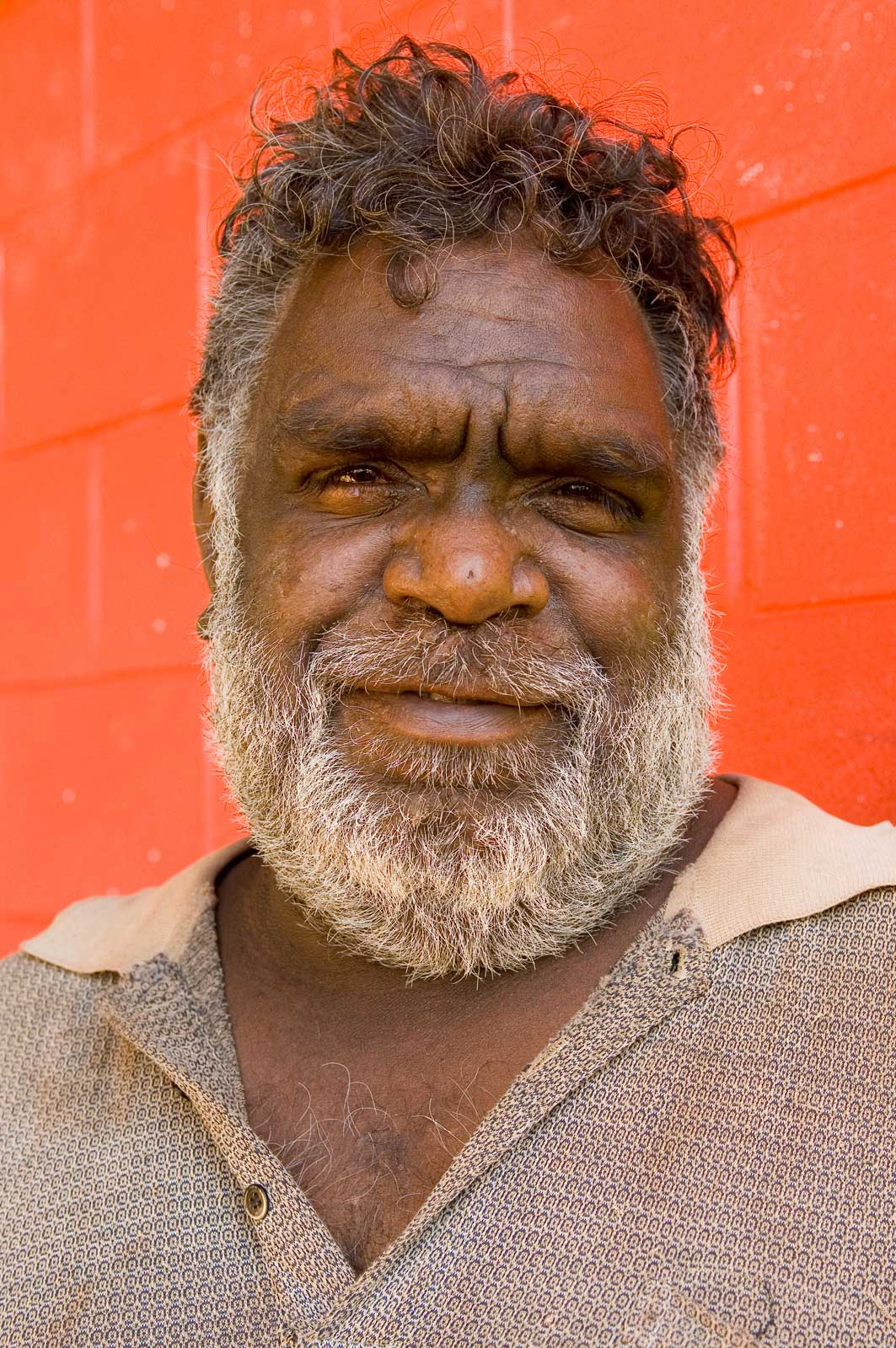 image of AARONTAIT COPYRIGHTED 2014 5272 EDITORIAL DOCUMENTARY PHOTOGRAPHER PAPUNYA NORTHERN TERRITORY AUSTRALIA LANDSCAPE LIFE PEOPLE ART INDIGENOUS PINTUPI LURITJA PAPUNYA TULA SAMMY BUTCHER WARUMPI BAND ELD